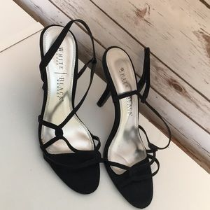WHITE HOUSE BLACK MARKET BLACK STRAPPY HEELS 7.5M